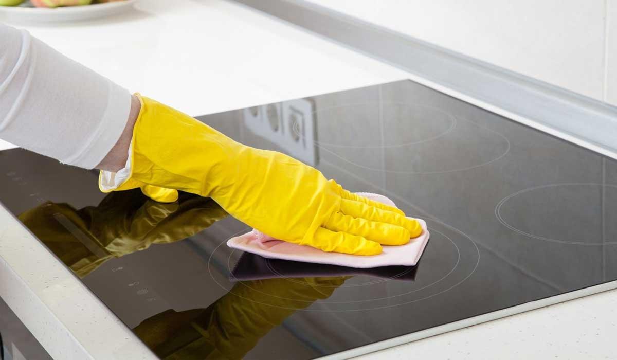 чистка кухонной плиты