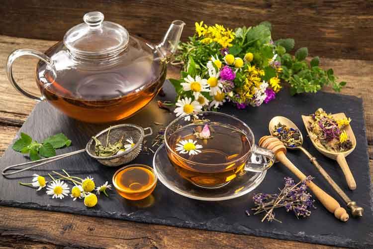 10 лечебных травяных чаев